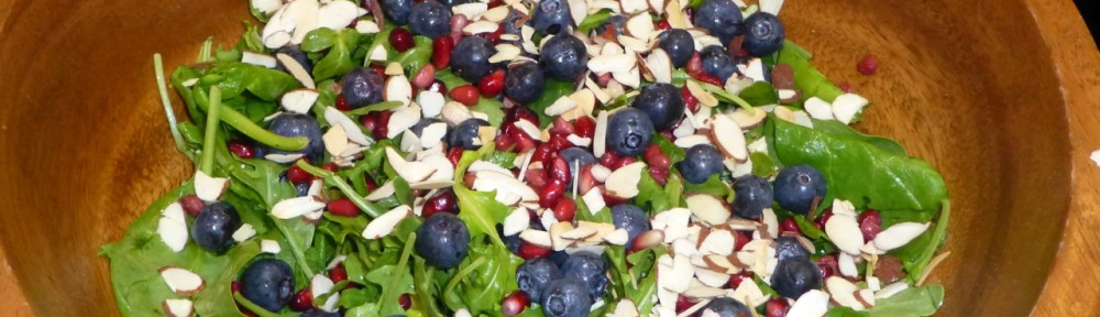 Arugula Salad with Pomegranate and Blueberries